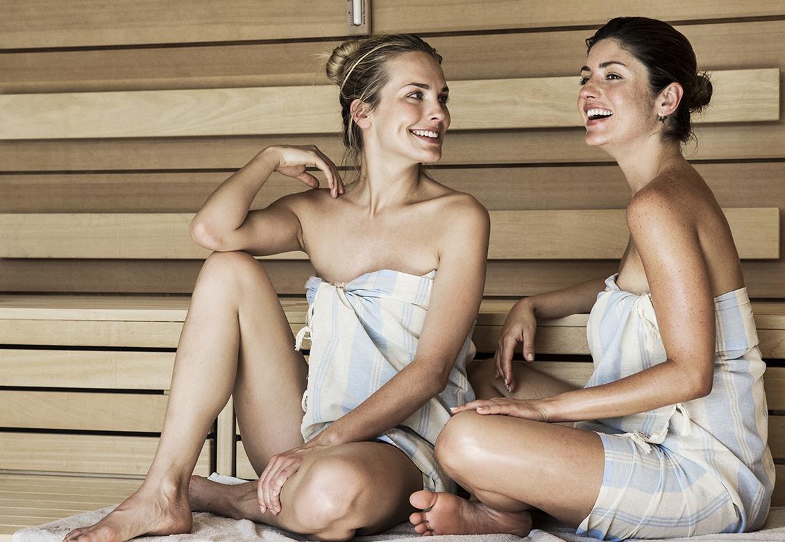 Kvinner i sauna